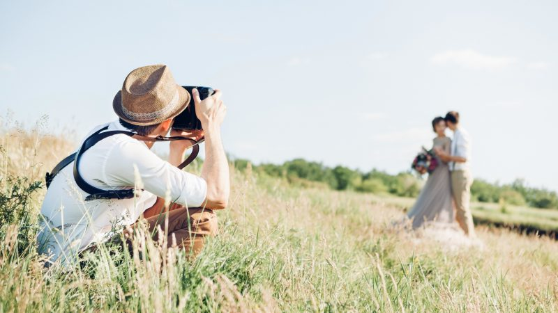 Tips on How to Hire a Good Wedding Photographer