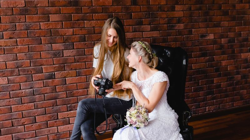 What Should a Female Photographer Wear to a Wedding